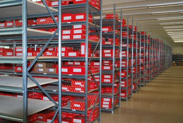 Multi-purpose shelving Dimax